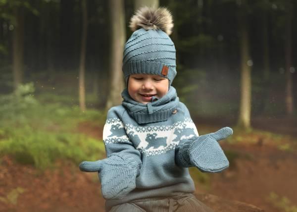 Bilde av Lue Mutton i merinoull, med pelsdusk, gråblå